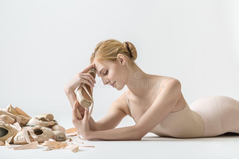 Bailarina com sapatas do pointe imagem de stock royalty free