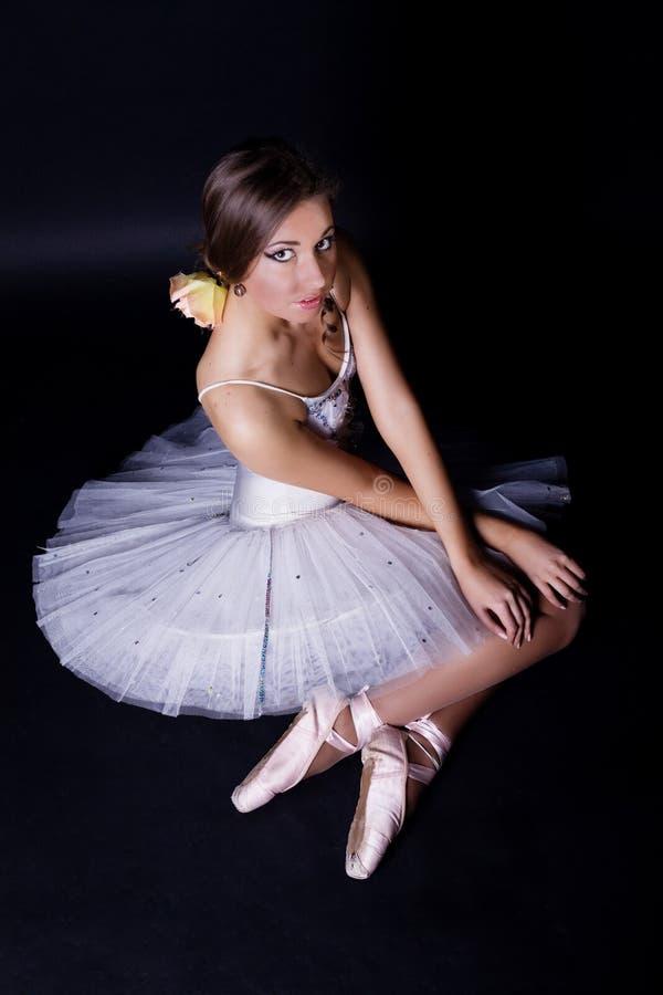 Bailarina en el tutú blanco fotografía de archivo libre de regalías