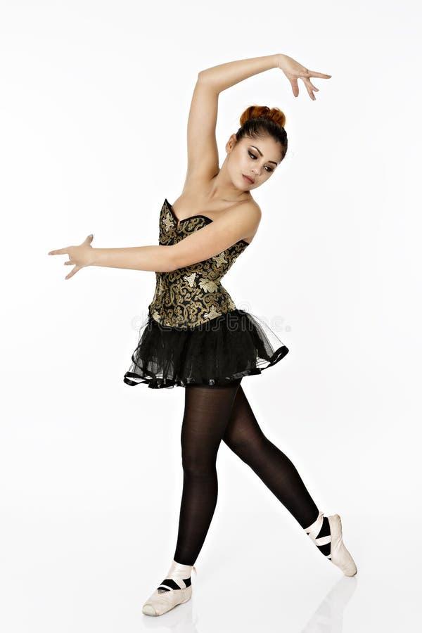 A bailarina maravilhosa está dançando graciosa imagens de stock royalty free
