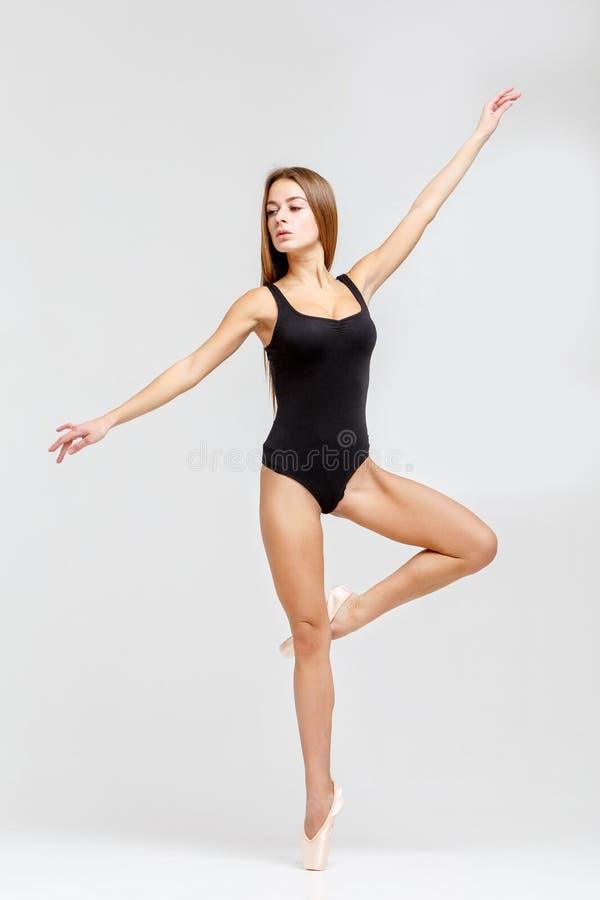 Bailarina no equipamento preto fotografia de stock royalty free