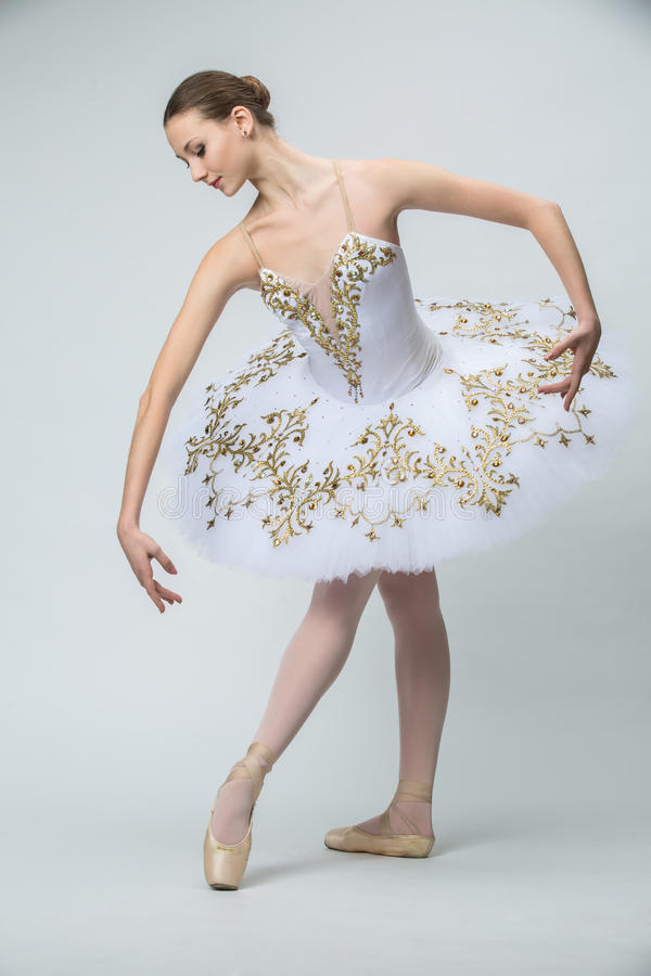 Bailarina no estúdio fotos de stock royalty free