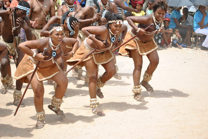 Bailarines africanos imagen de archivo libre de regalías