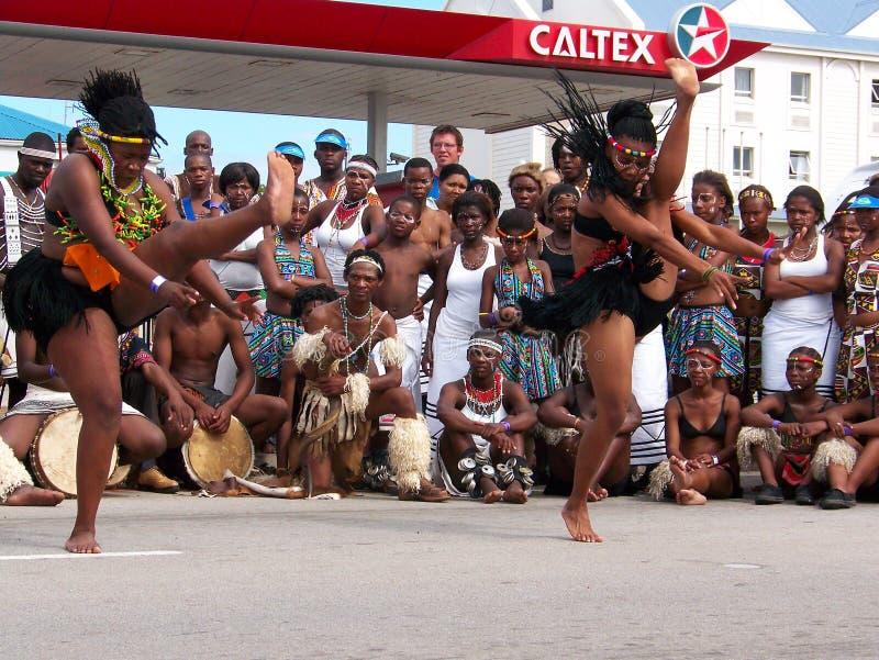 Bailarines africanos en Ironman 2008 fotos de archivo libres de regalías