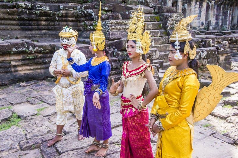 Bailarines de Apsara de los camboyanos fotos de archivo libres de regalías