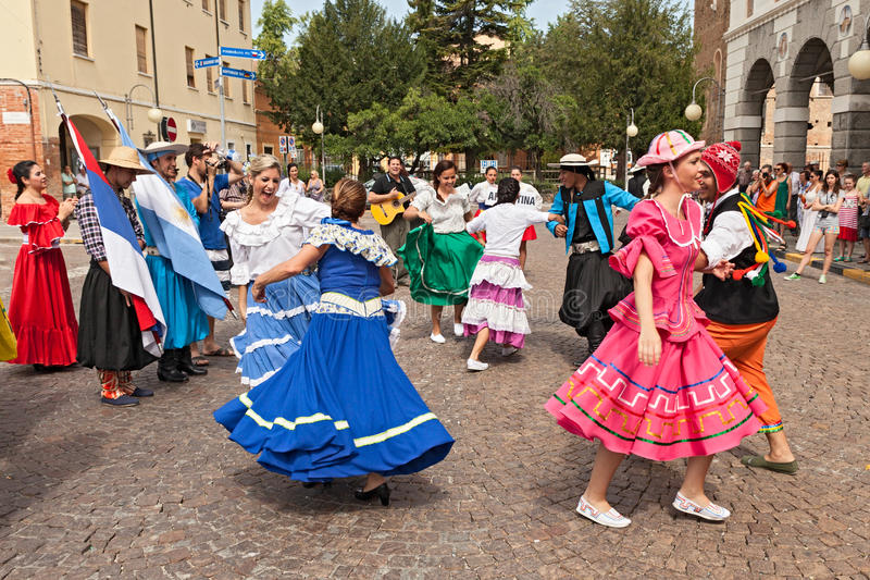 Bailarines de Argentina fotografía de archivo