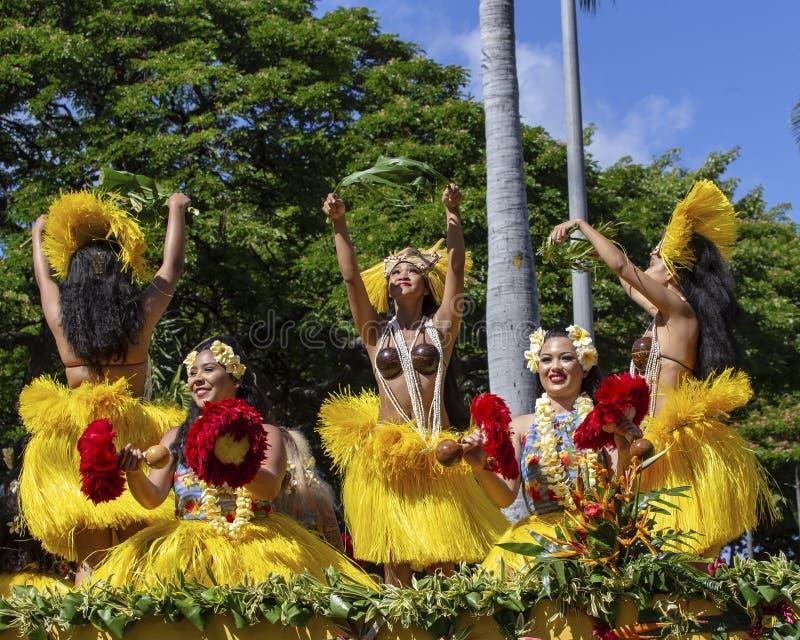 Bailarines de Hula imágenes de archivo libres de regalías