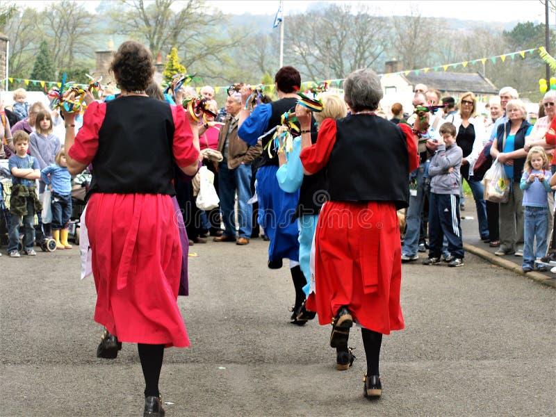 Bailarines de señora Morris, Ashover, Derbyshire, Reino Unido imagen de archivo