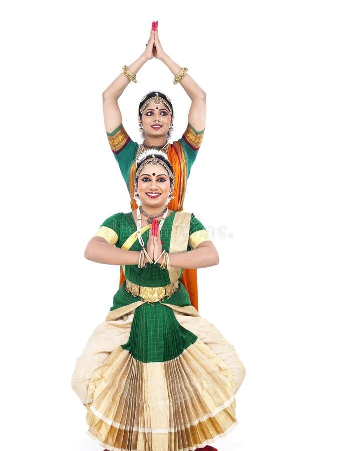 Bailarines de sexo femenino clásicos indios imágenes de archivo libres de regalías