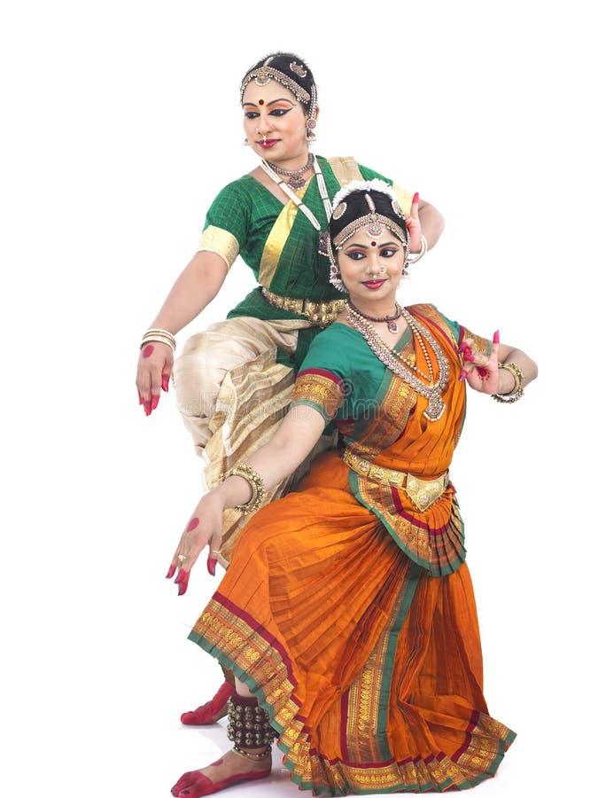 Bailarines de sexo femenino clásicos indios fotografía de archivo libre de regalías