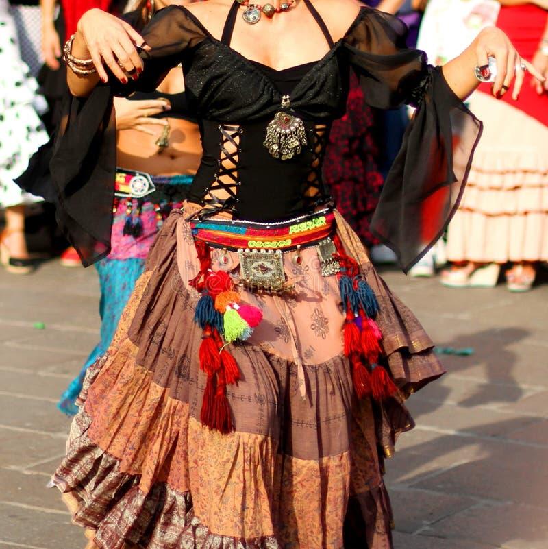 Bailarines del flamenco y danza del español foto de archivo