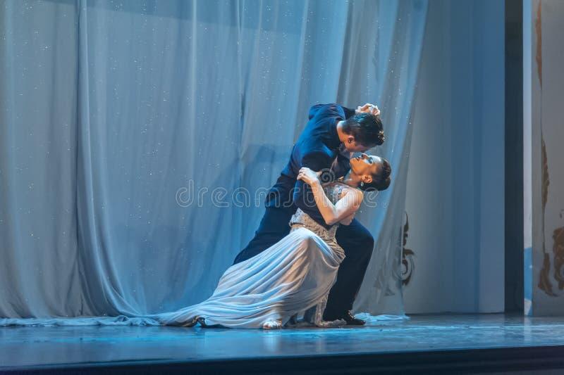 Bailarines del tango en Buones Aires, la Argentina imágenes de archivo libres de regalías