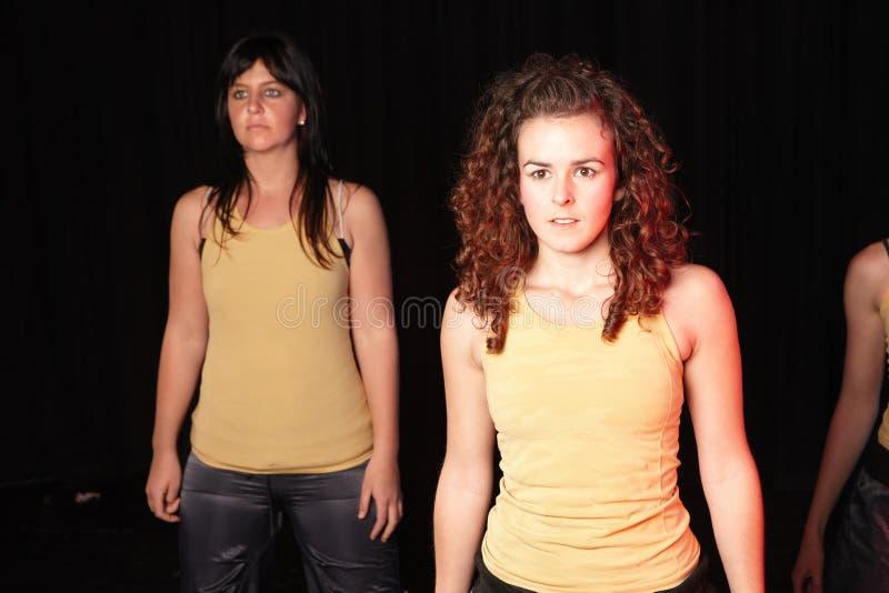 Bailarines en etapa imágenes de archivo libres de regalías