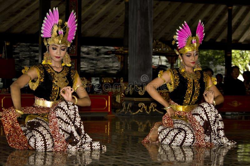 Bailarines en Indonesia imagenes de archivo