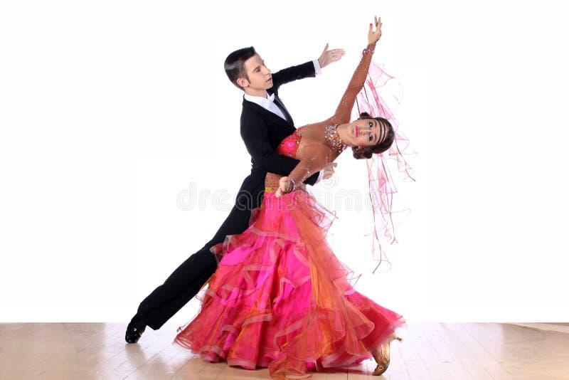Bailarines en salón de baile fotos de archivo libres de regalías