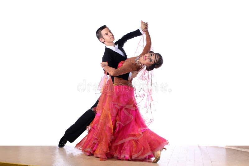 Bailarines en salón de baile imágenes de archivo libres de regalías