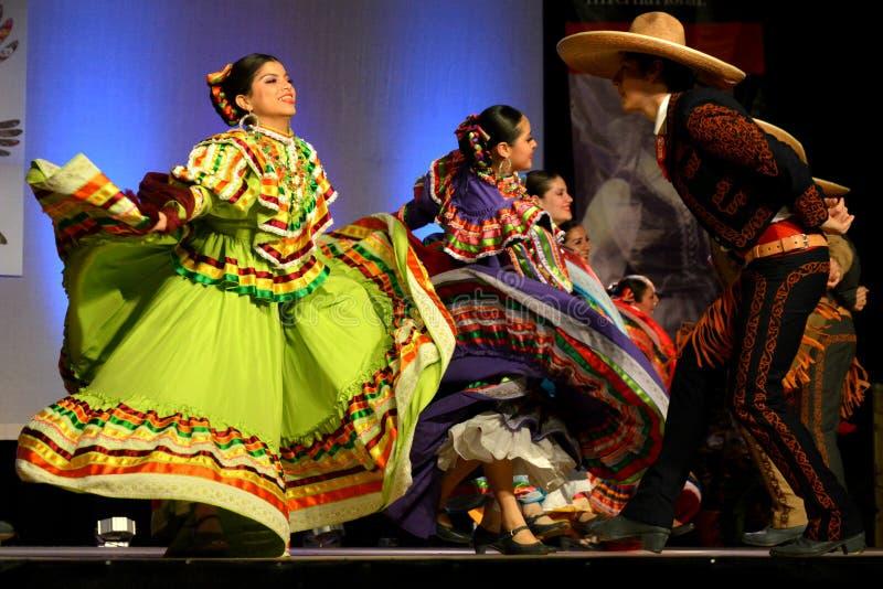 Bailarines mexicanos fotografía de archivo