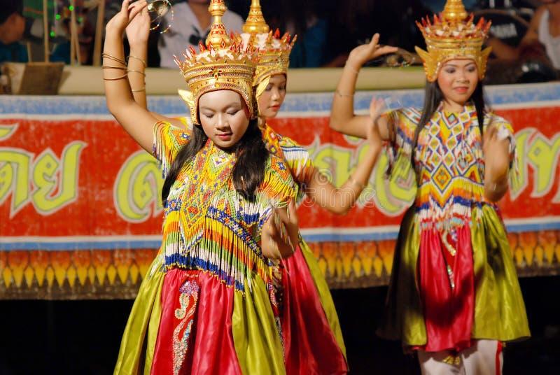 Bailarines tailandeses jovenes fotografía de archivo libre de regalías