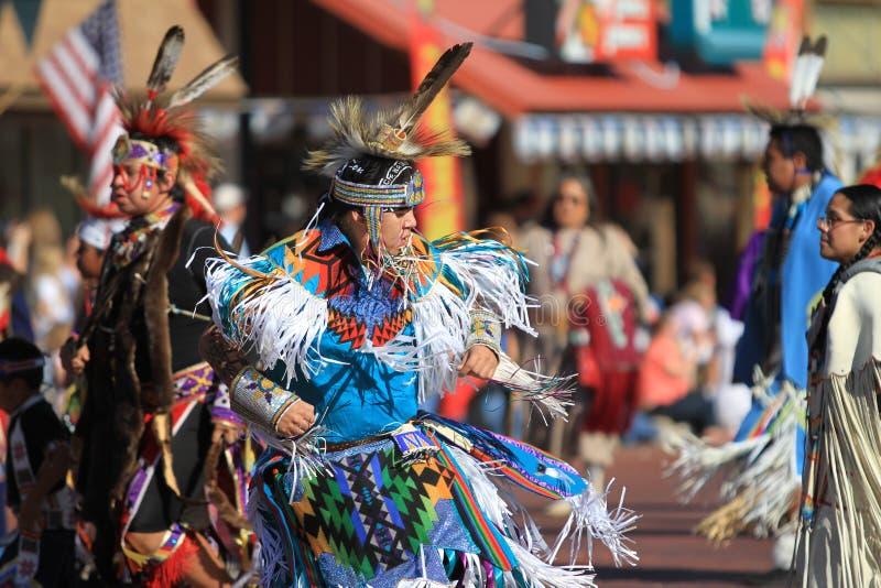 Bailar?n del nativo americano fotos de archivo