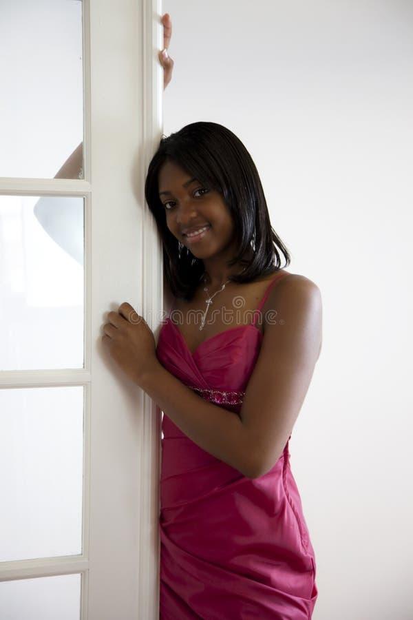 Baile de fin de curso adolescente de la muchacha del afroamericano fotografía de archivo libre de regalías