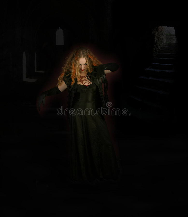 Baile de la bruja en monasterio imagen de archivo