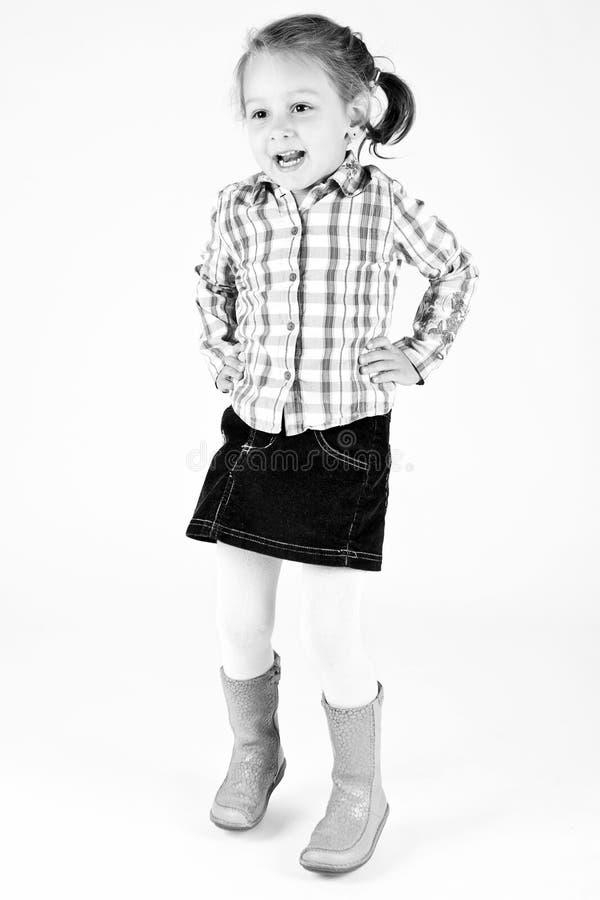 Baile de la chica joven en estudio fotos de archivo libres de regalías