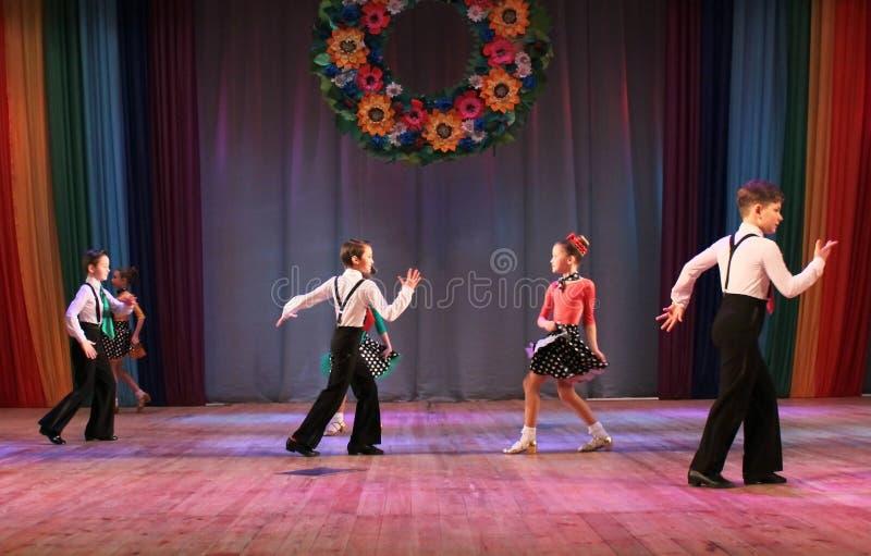 Baile de salón de baile de la competencia foto de archivo libre de regalías