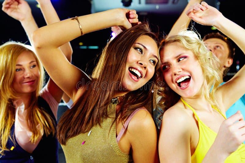 Baile en el partido foto de archivo libre de regalías