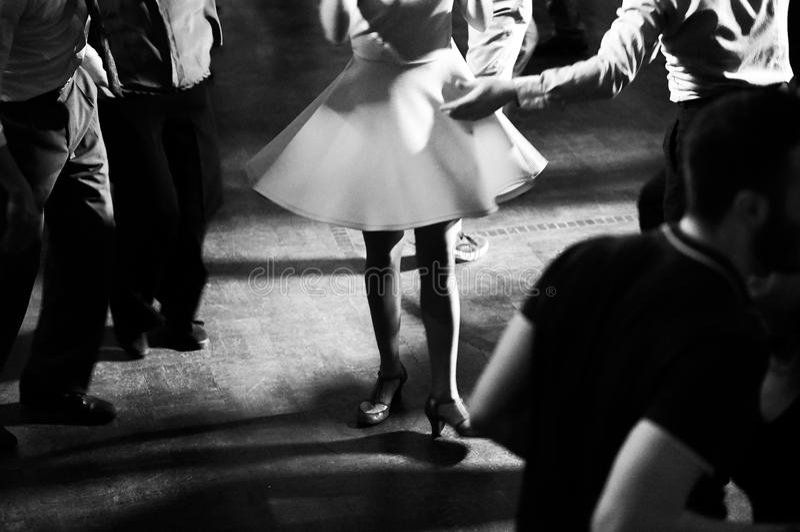 Baile en el vintage del partido de la música de oscilación y el estilo retro imagen de archivo libre de regalías