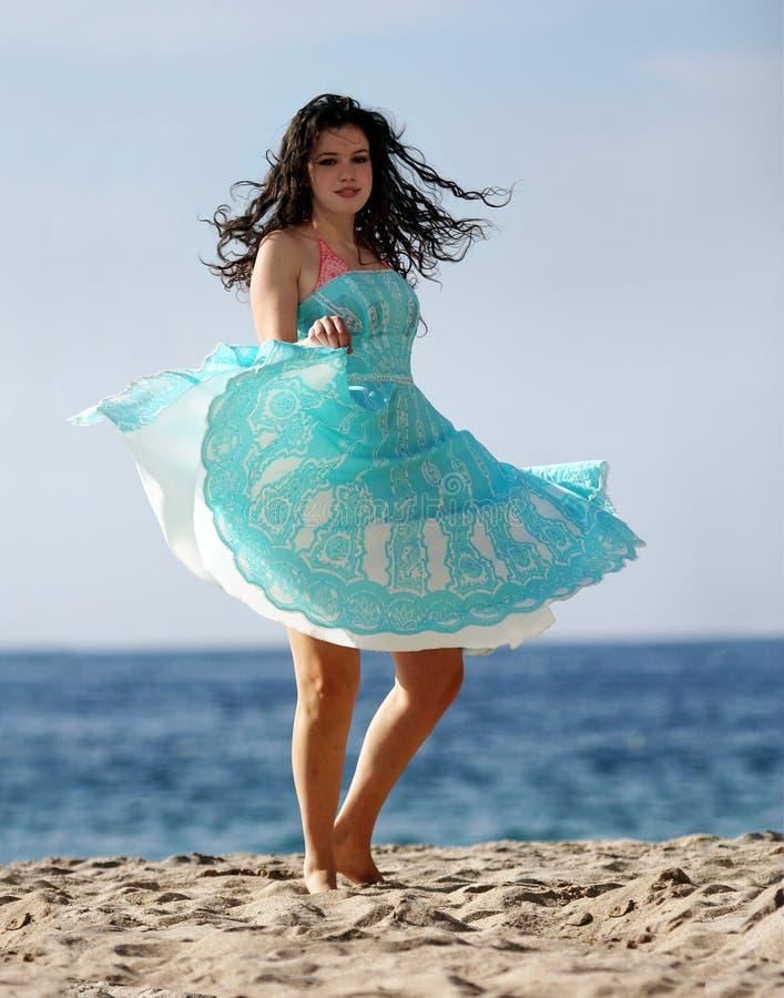 Baile en la playa imagenes de archivo