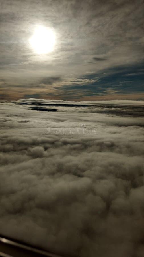 Baile entre las nubes fotos de archivo