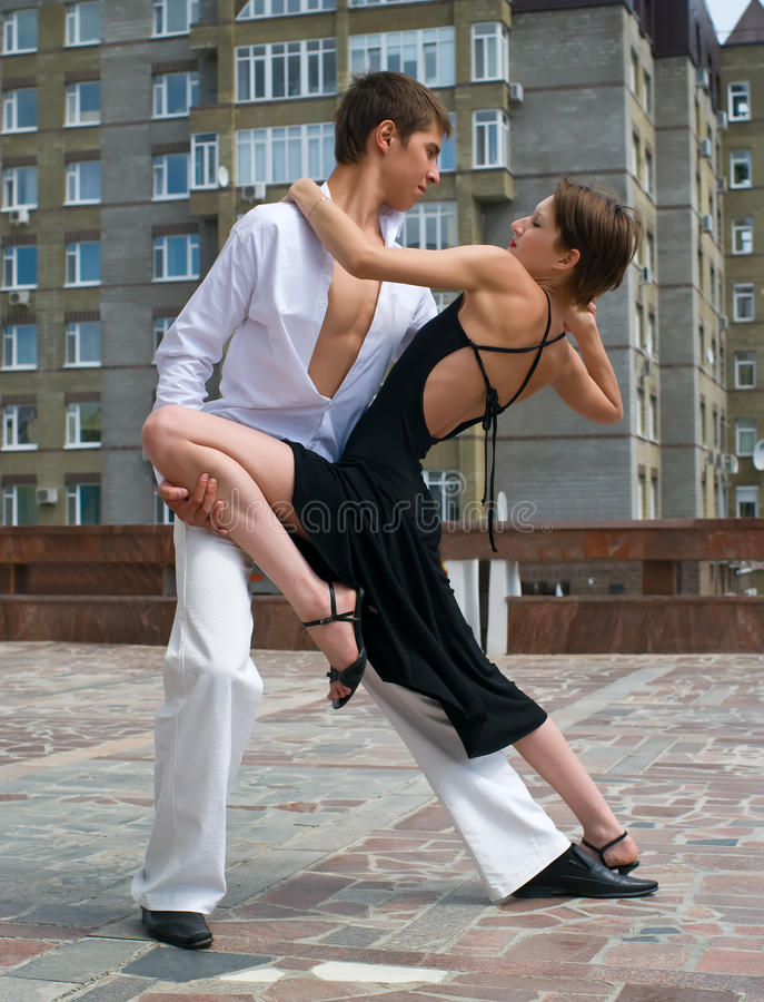Baile joven de los pares foto de archivo