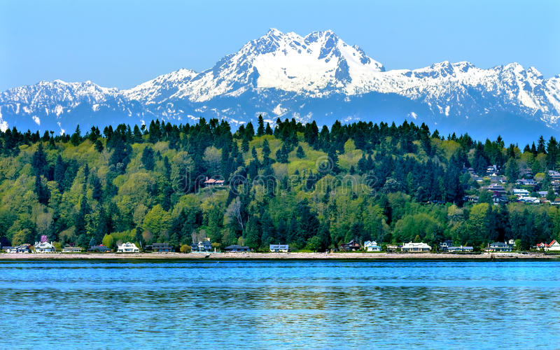 Bainbridge-Insel Puget Sound Snowy Mt Olymp Washington lizenzfreies stockfoto