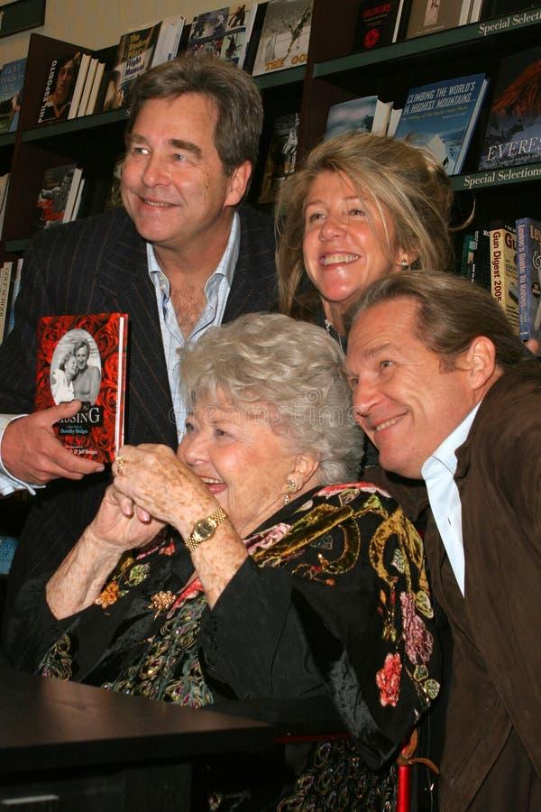 Baiser, Beau Bridges, Lucinda Bridges, Jeff Bridges, Dorothy Bridges image libre de droits