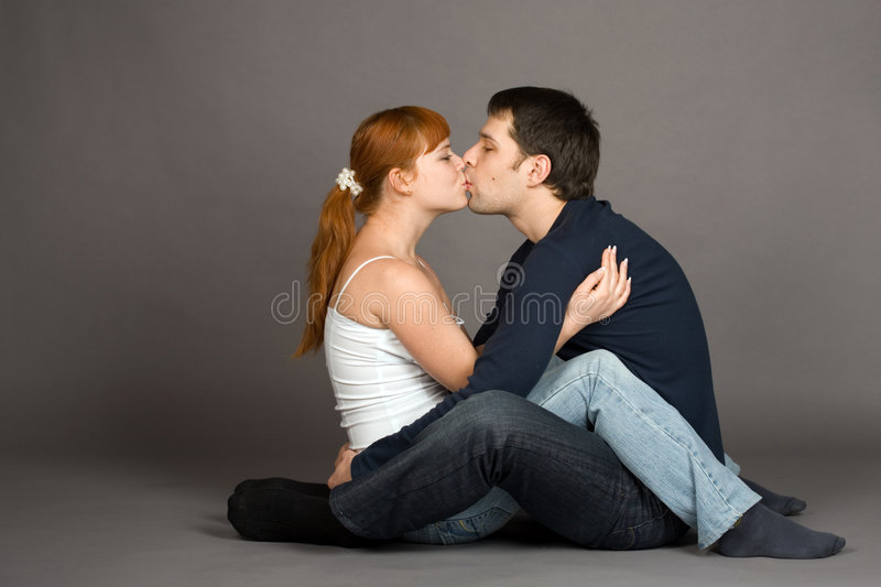 Baisers de couples photo libre de droits
