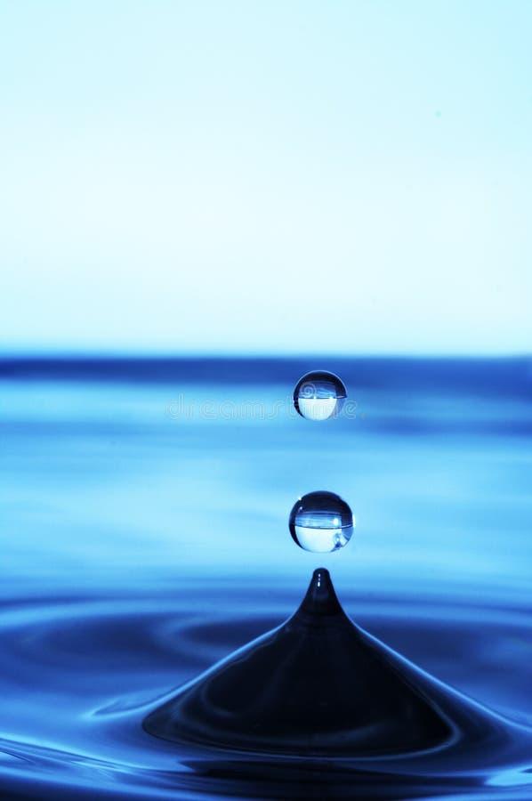 Baisse abstraite de l'eau image libre de droits