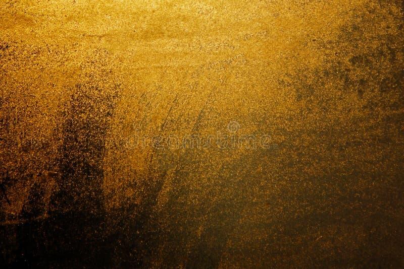 Baisses d'or de l'eau sur le fond de fenêtre Fond des lumières d'or ensoleillées Fond d'or pour une inscription images stock