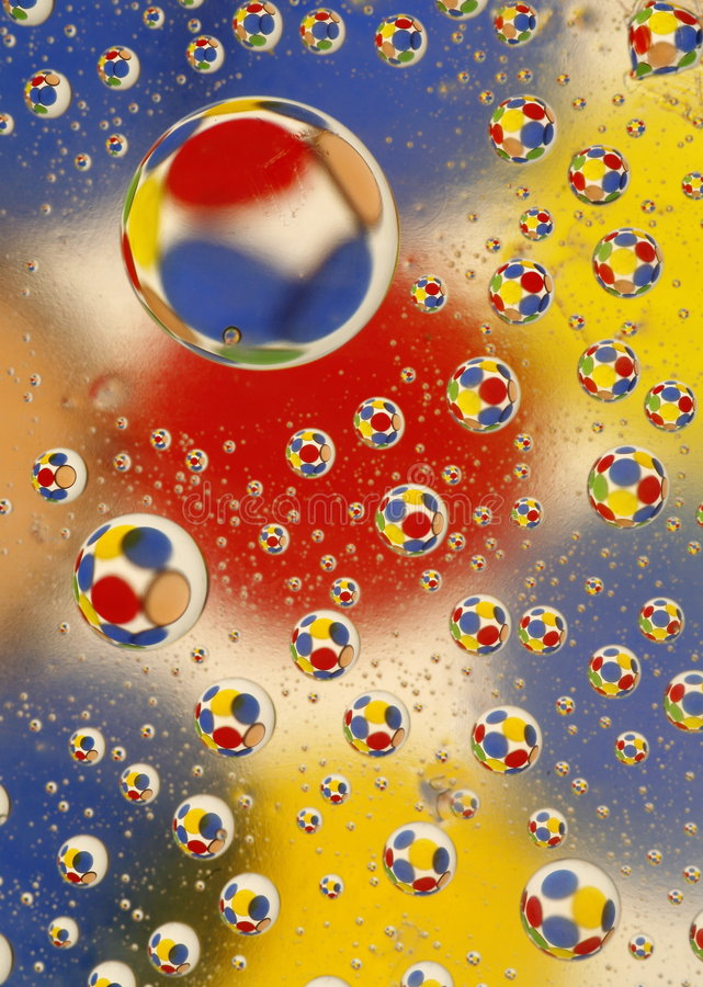 Baisses de l'eau avec des cercles photo libre de droits