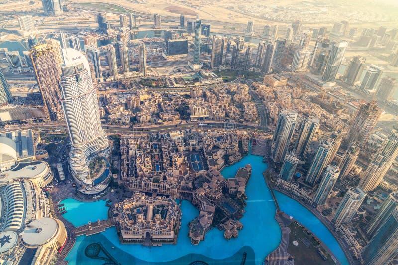 Baixa da antena da opinião de Dubai foto de stock royalty free