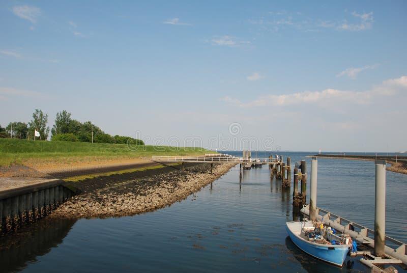 Baixa maré do ebb holandês do dique foto de stock