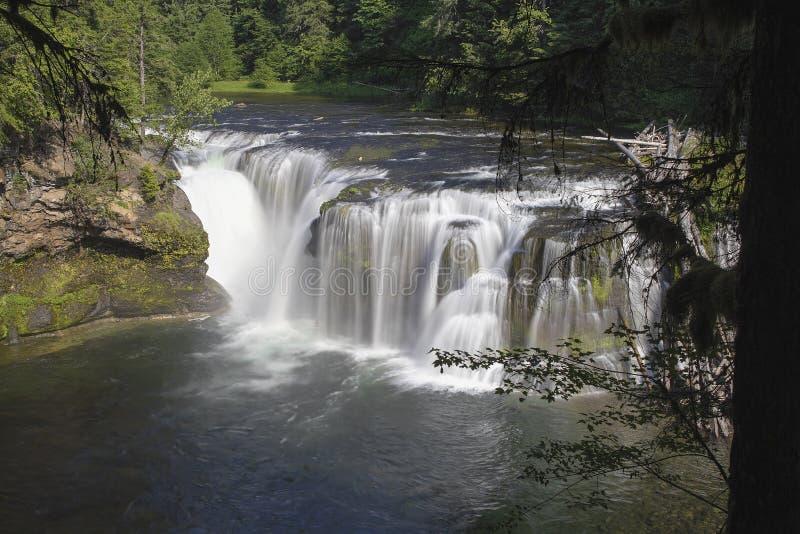 Baje a Lewis River Falls imágenes de archivo libres de regalías