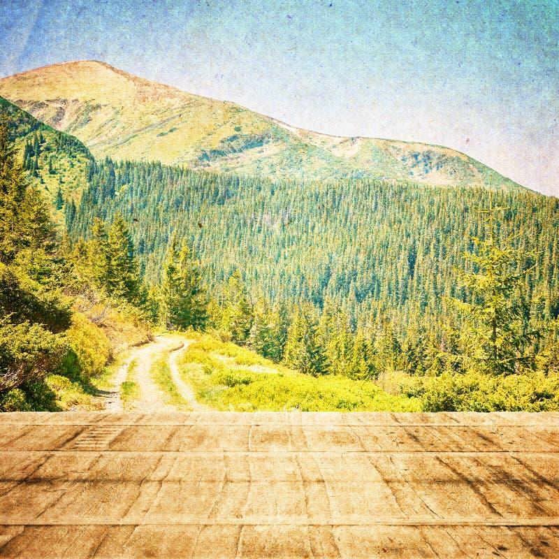 Bajka las w Retro stylu Papierowy rocznik Textured duże krajobrazowe halne góry ilustracji