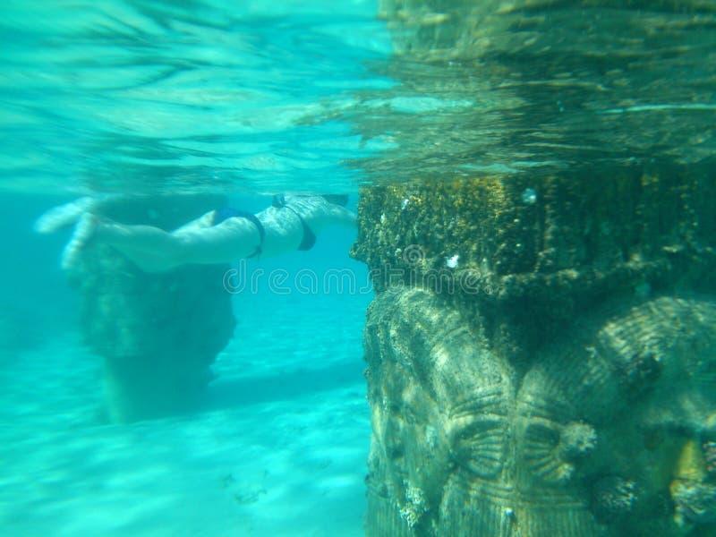 Bajo el agua imagen de archivo