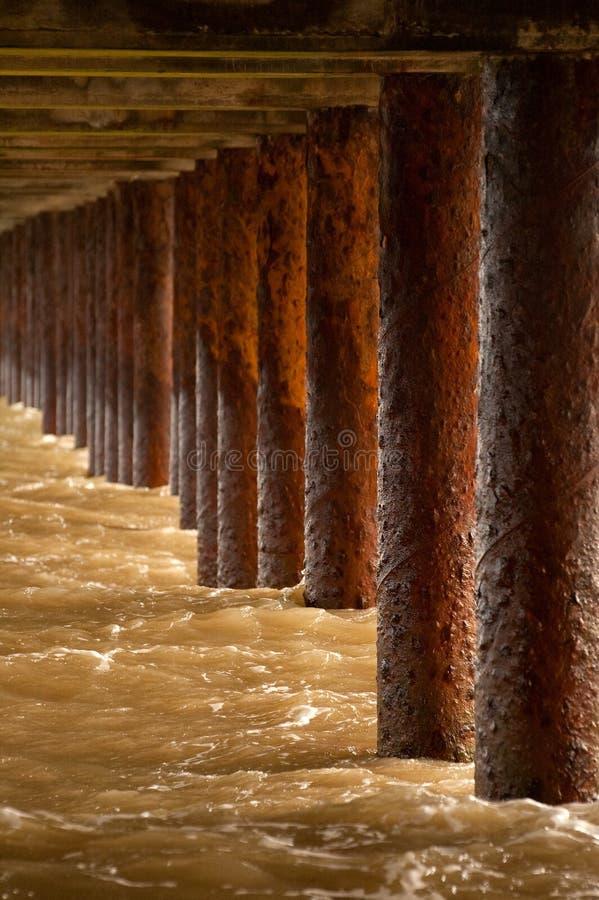 Bajo el paseo marítimo foto de archivo libre de regalías