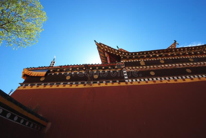 Download Bajo El Templo De La Luz Del Sol Imagen de archivo - Imagen de estilo, cielo: 7281767