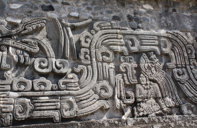 Bajorrelieve que talla con de un cacique indio americano, Xochicalco, México fotos de archivo libres de regalías