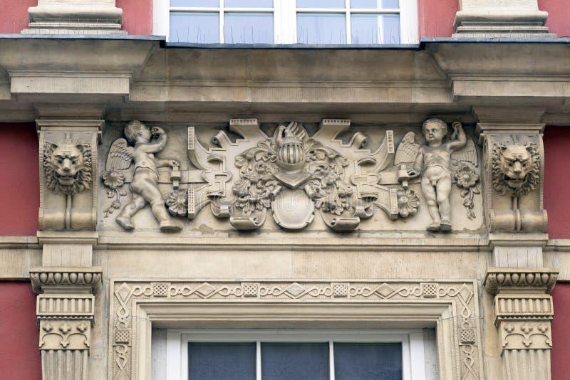 Bajorrelieves de piedra de Gdansk fotos de archivo