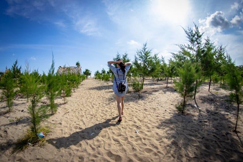Bajul Mati Beach Malang, Indonesien royaltyfri foto