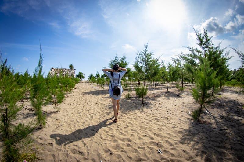 Bajul Mati Beach Malang, Indonesien royaltyfri bild