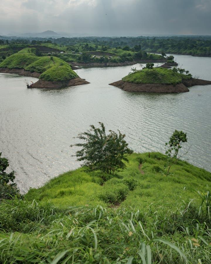 Bajulmatireservoir in Situbondo Indonesië stock foto's