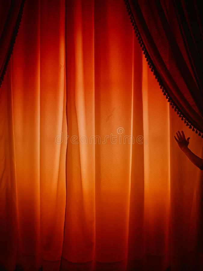 Bak gardinen arkivbilder